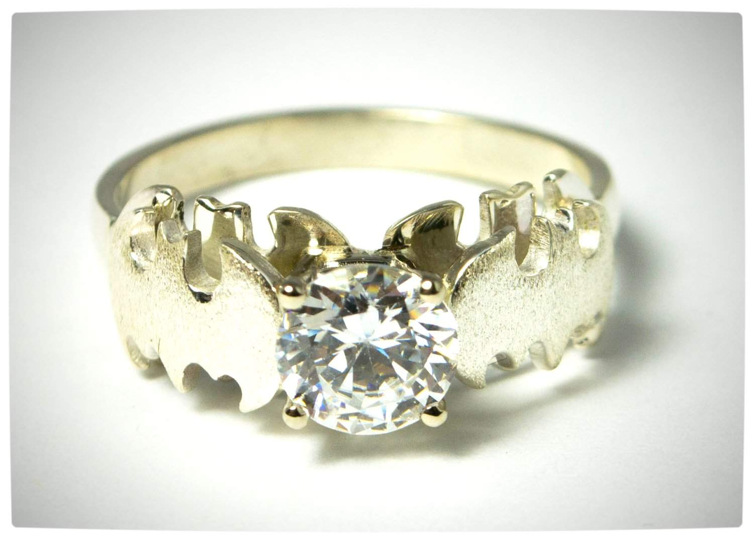 - Geek Chic - SUATMM - 10 Gorgeously Geektastic Engagement Rings ...